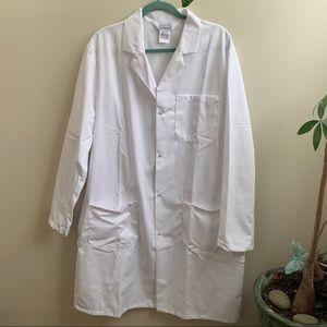 NWOT white Lab coat doctor nurse L